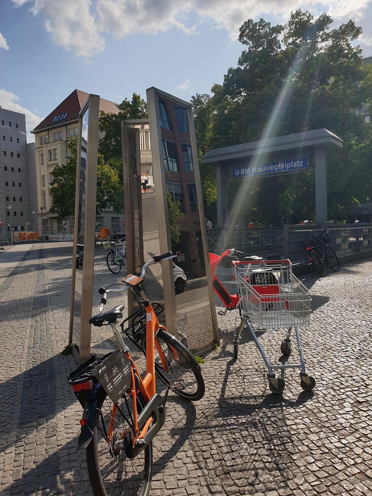 einkaufswagen-hausvogteiplatz-berlin